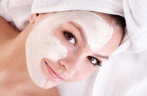 Pomalý a zkrášlující víkend – Domácí vlasové a obličejové masky