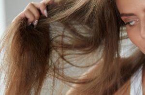 Poškozené vlasy – jak si je obnovit? Povím vám to!