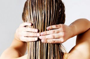 Pomohl mi ricinový olej s vlasy a pokožkou hlavy?
