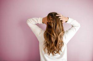 Jaké sérum na vlasy bychom měli užívat? Jejich užití, typy a účinky